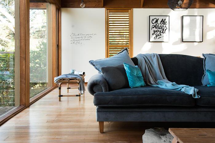 Saffron couch hepburn springs luxury accommodation